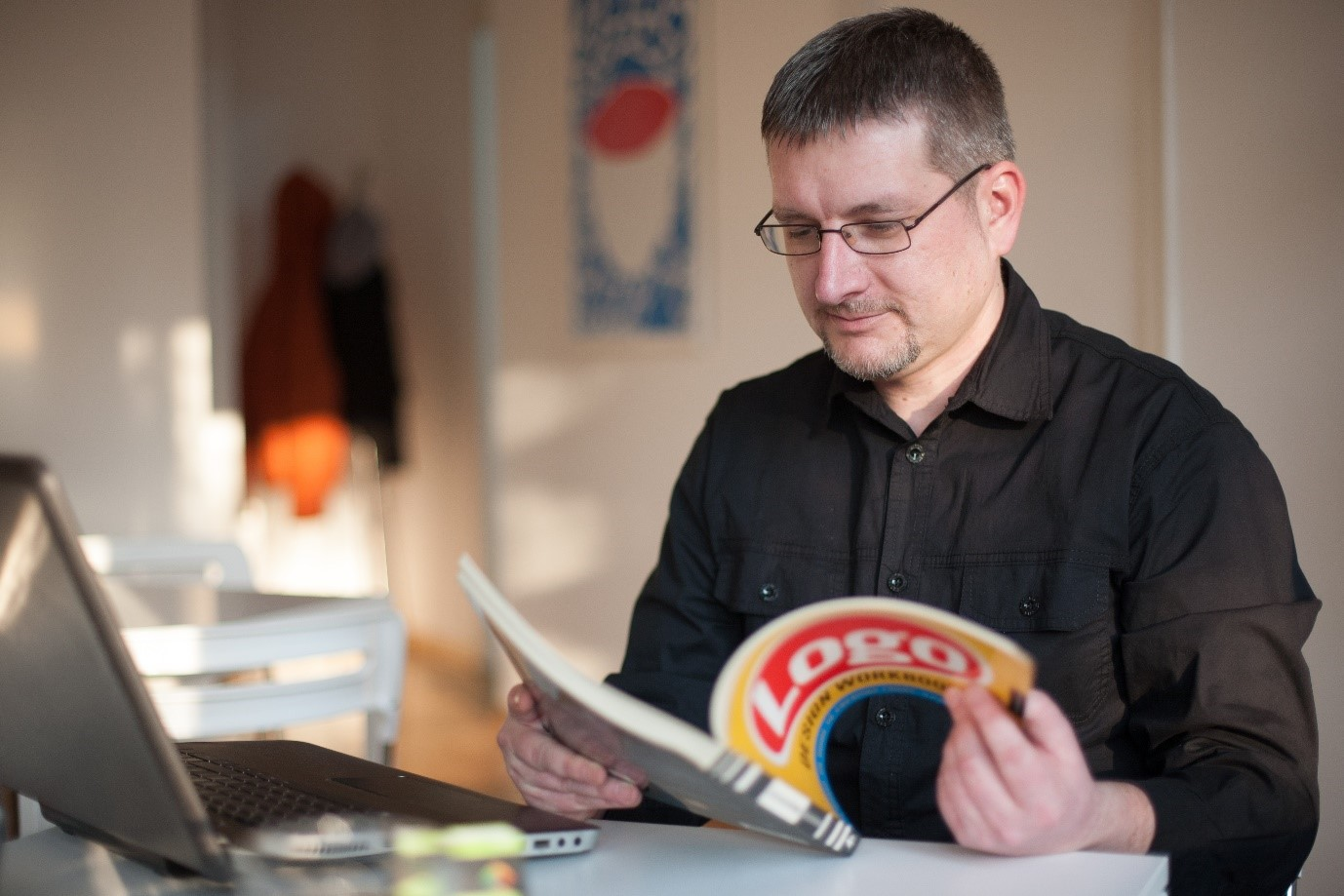 Designer Interview With Bojan Stefanovic - Logoholik