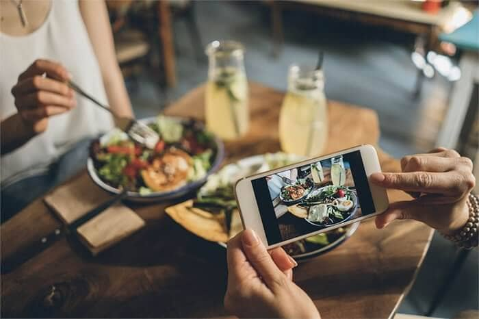 Becoming an Influencer - using endorsers or influencers for food - restaurants